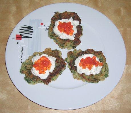 Spinatküchlein mit Lachskaviar