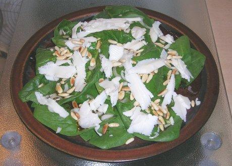 Spinatsalat mit Ziegenkäse