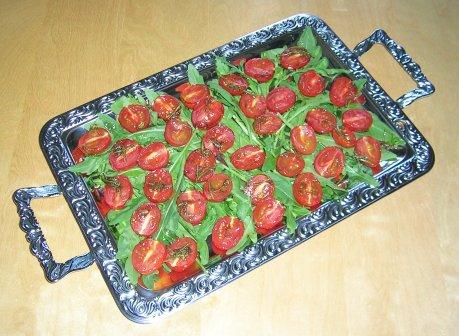 Getrocknete Tomaten auf Rucola