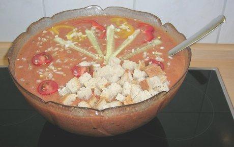 Gazpacho - Kalte Gemüsesuppe aus Spanien