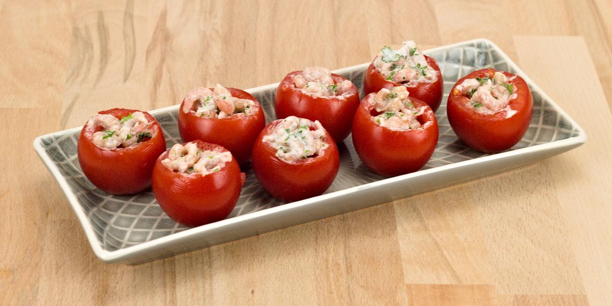 Tomaten mit Krabbenfüllung - Rezept aus Spanien
