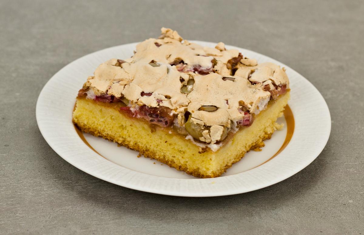 Rhabarber-Stachelbeer-Kuchen