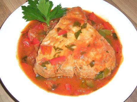 Thunfisch in würziger Sauce