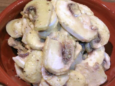 Champignons mit Senfsauce