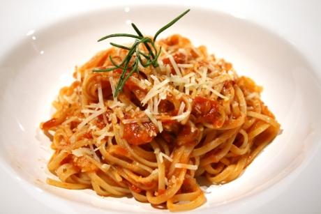 Pasta mit Rosmarin-Tomate-Sauce