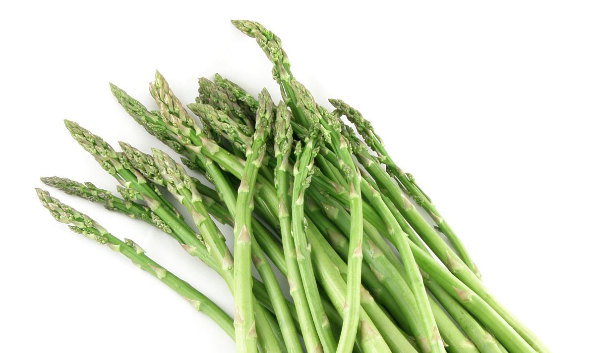 Grünen Spargel kochen