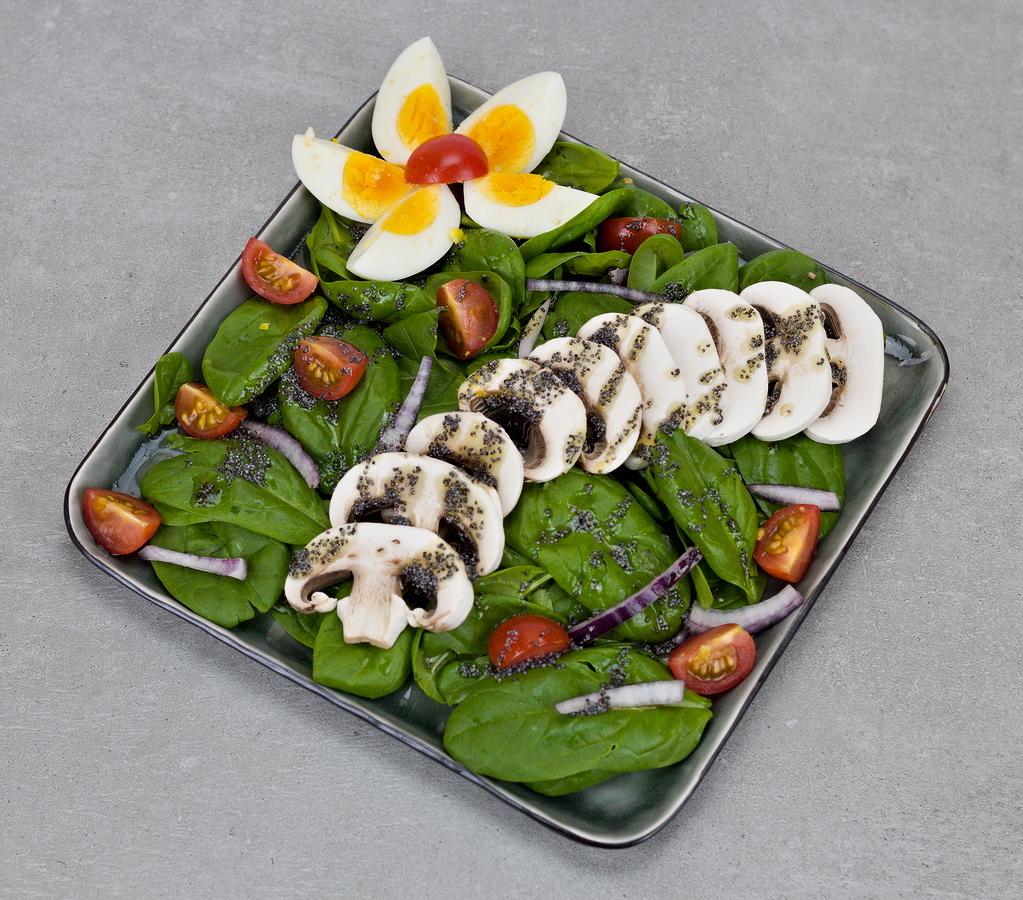 Spinatsalat mit Mohndressing