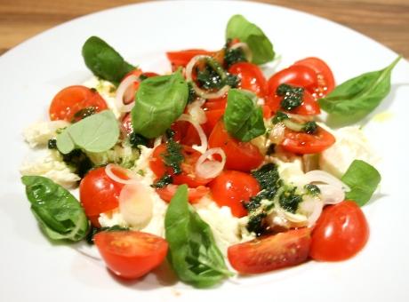 Tomaten-Mozzarella-Salat nach Jamie Oliver