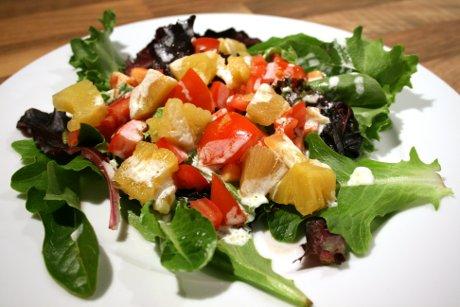 Tropischer Salat aus Brasilien