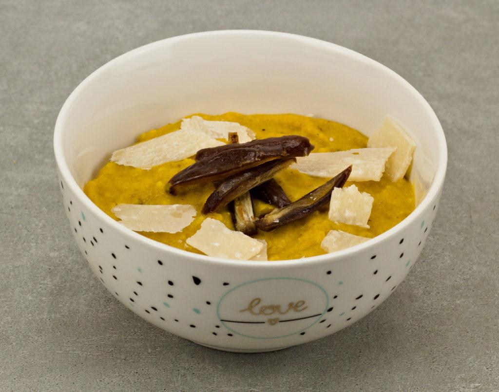 Kürbissuppe mit Datteln