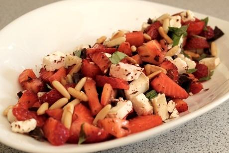 Erdbeer-Ziegenkäse-Salat