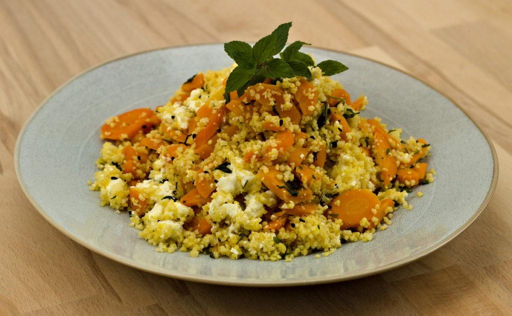 Couscous-Möhren-Salat mit Feta