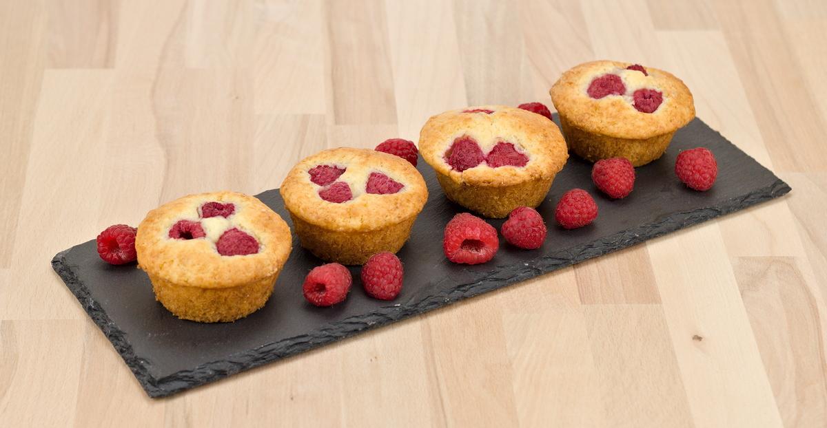 Muffins mit frischen Himbeeren